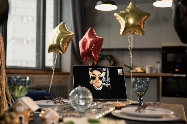 how to host a christmas party on zoom