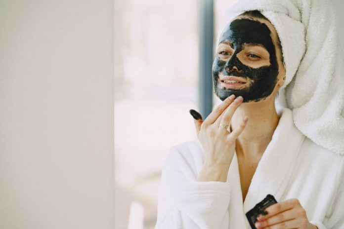 how to take care of your face naturally